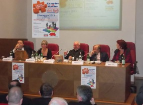Roma 29 Maggio 2013 Pontificio Consiglio per la Famiglia Da sinistra : Giuliano Ferrara, Costanza Miriano, S.E. Mons. Vincenzo Paglia, Claudio Risè