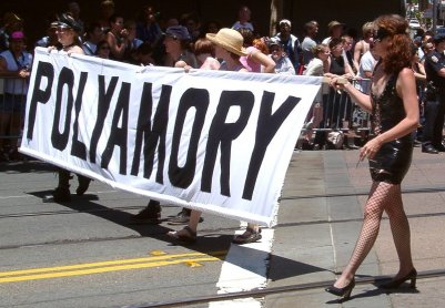 Poliamory_pride_in_San_Francisco_2004
