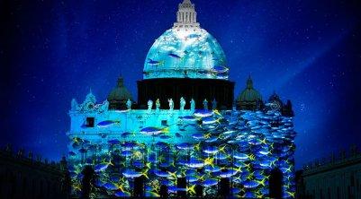 VaticanoJuegoLuces_TwitterLaCronacaItaliana_071215